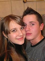 Guy bangs his girlfriend